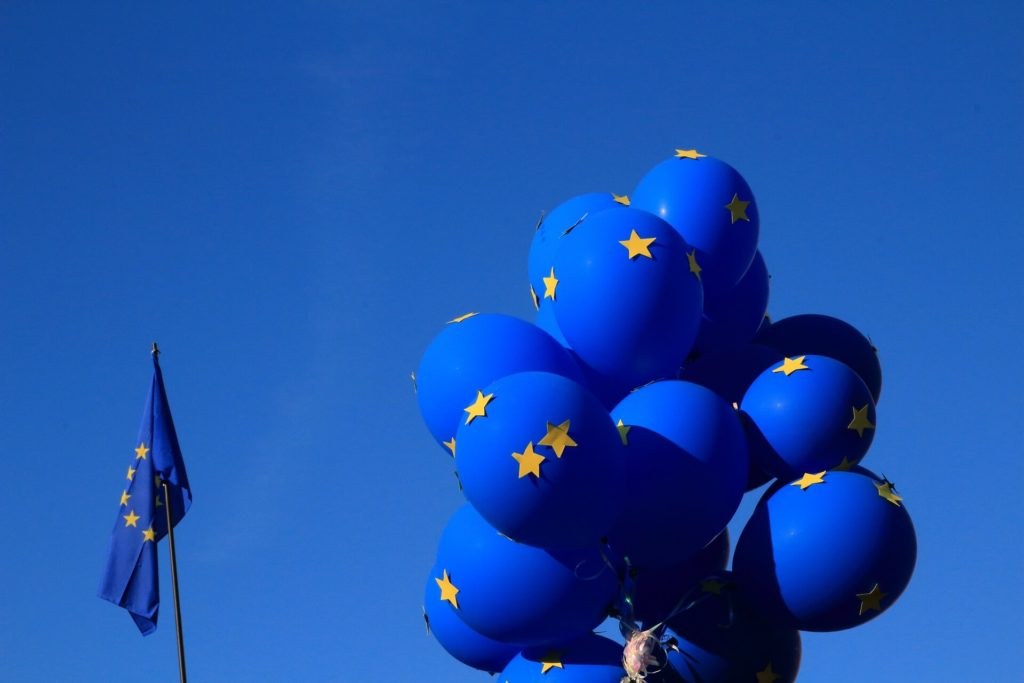 Palloncini con bandiera dell'Unione europea