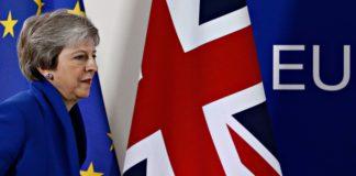La premier britannica Theresa MAy alle prese con la BrexitMay
